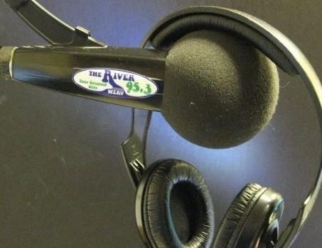 August Radio Show hosted by Eka Kapiotis